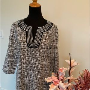 Lucy & Laurel BOHO style top size M